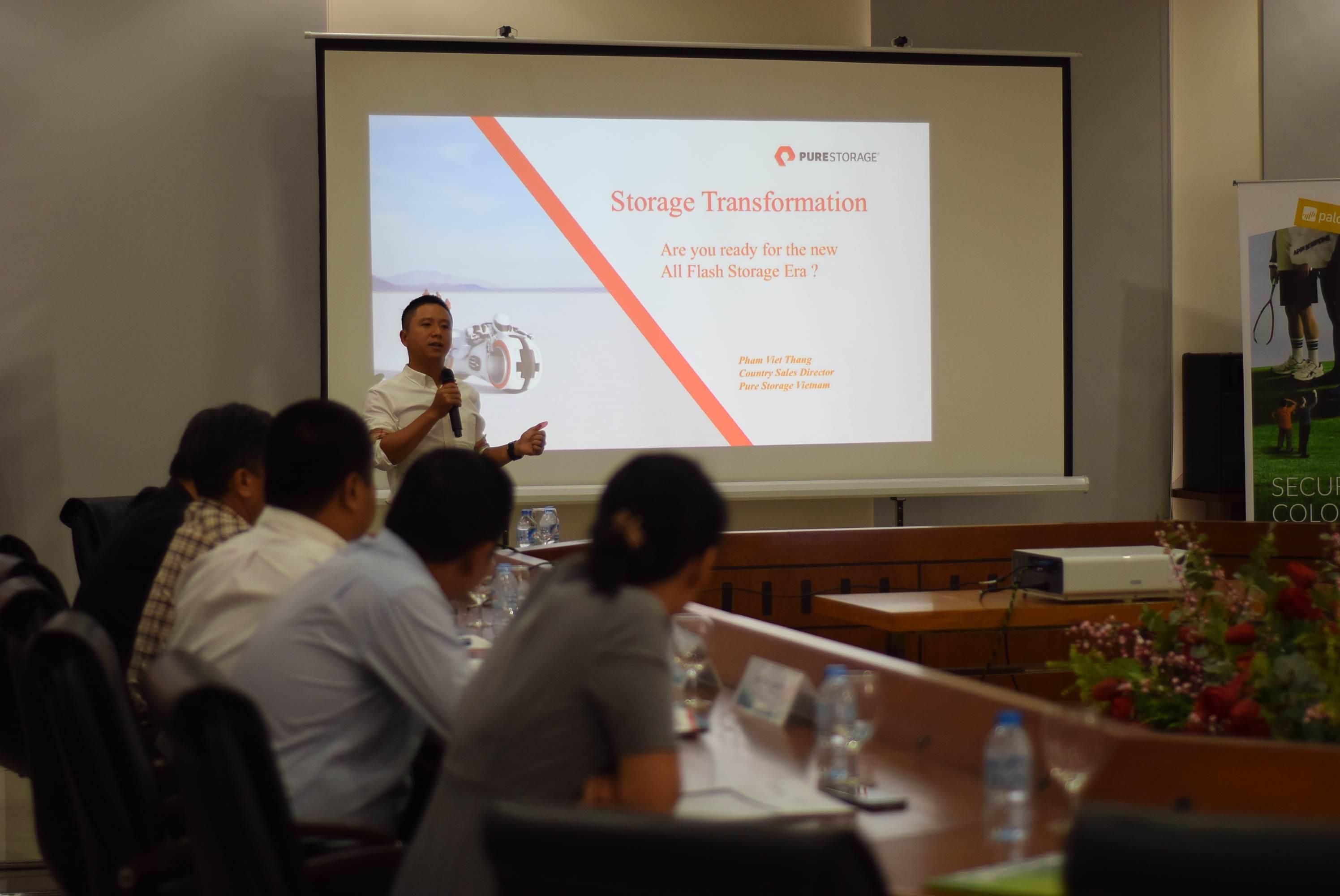 ông Phạm Việt Thắng - Giám đốc Bán hàng Pure Storage Việt Nam